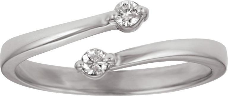 10kt Diamond Fashion Ring; 1/10cttw Total Diamond Weight.