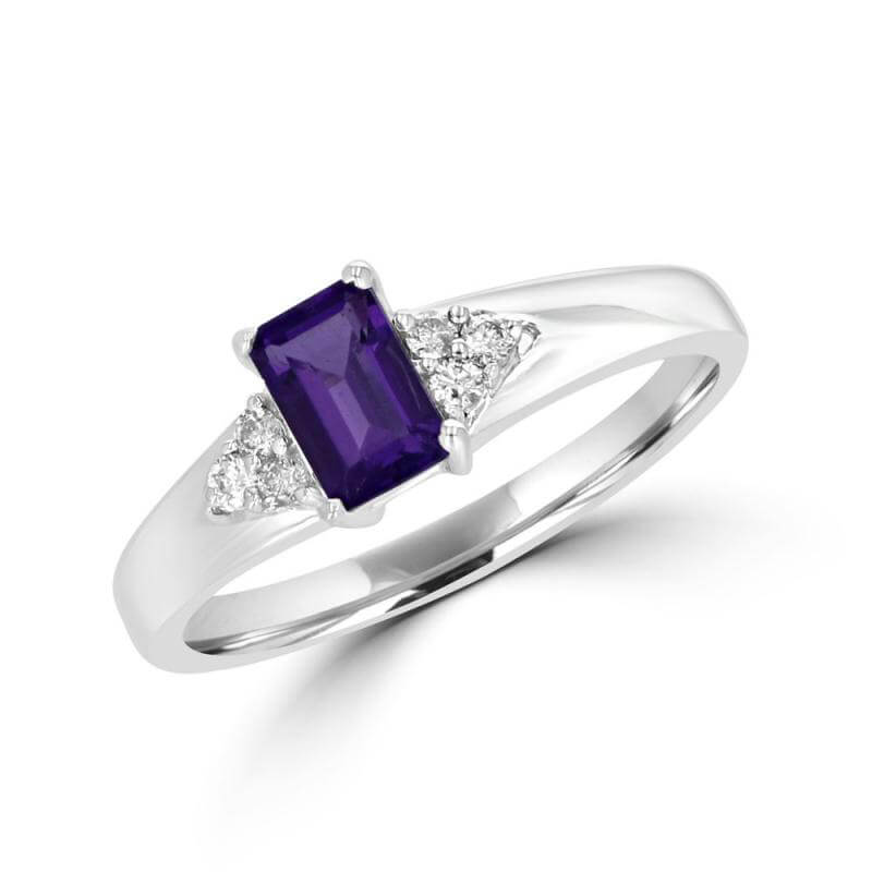 4X6 BAGUETTE AMETHYST AND THREE ROUND DIAMONDS ON EACH SIDE RING