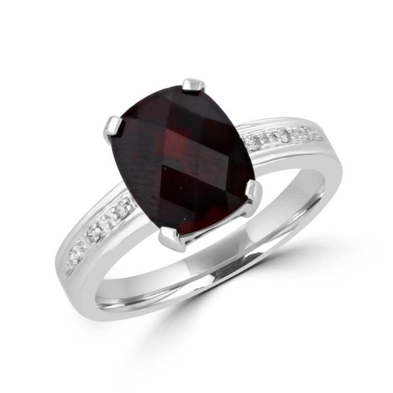 JCX391628: 8X10 CUSHION CHECKERED GARNET AND DIAMOND RING