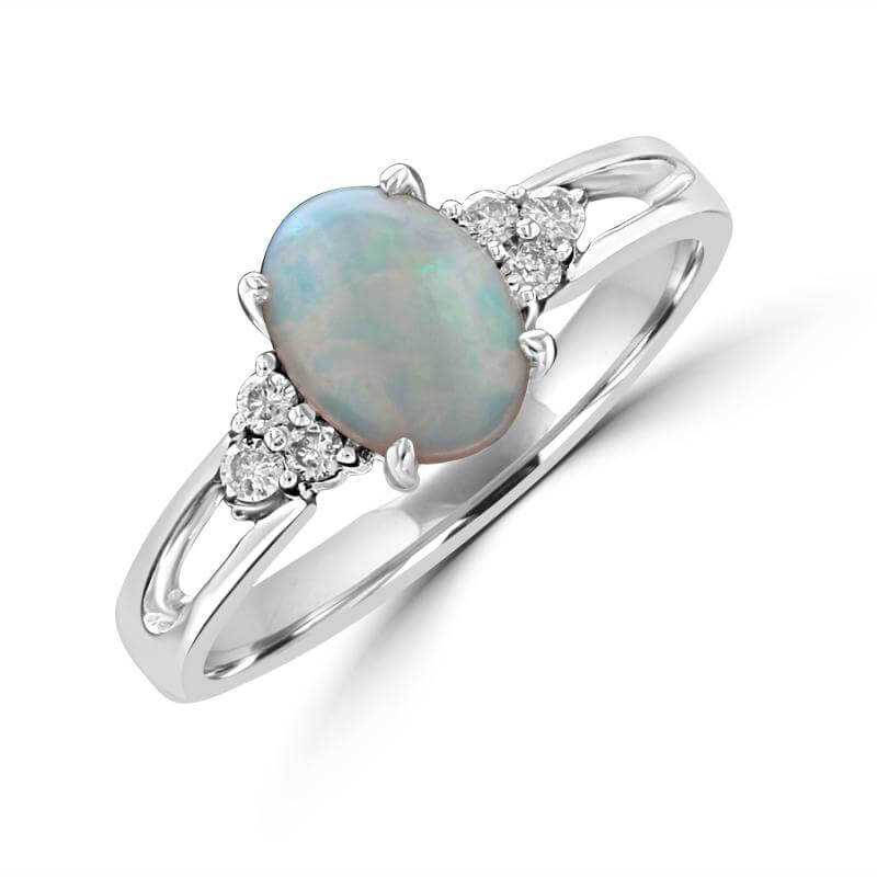 6X8 OVAL OPAL WITH 3 DIAMONDS EACH SIDE RING